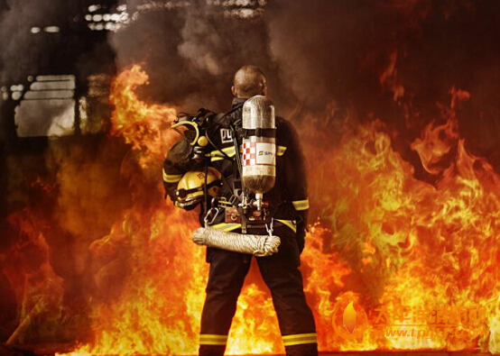英勇消防员最可爱的人