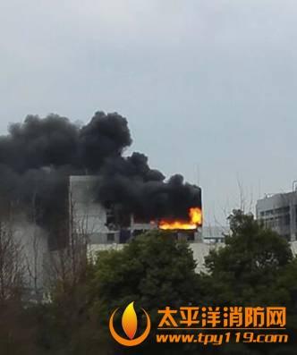 杭州一处工厂发生爆炸起火致1死7伤