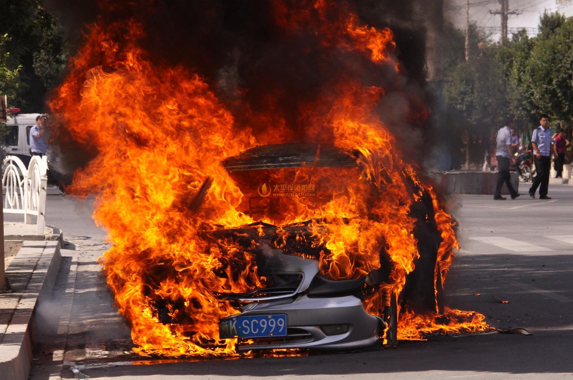 汽车火灾的原因分析及扑救
