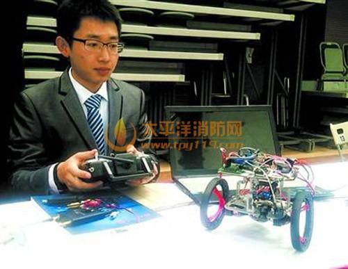 大学生设计的跳跃机器人
