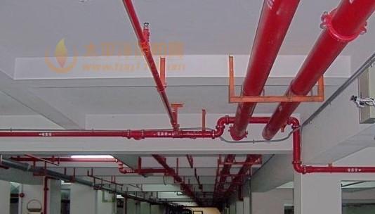 6,消防控制室内设备布置及房间尺寸:单列布置最小宽度5m,双列布置最