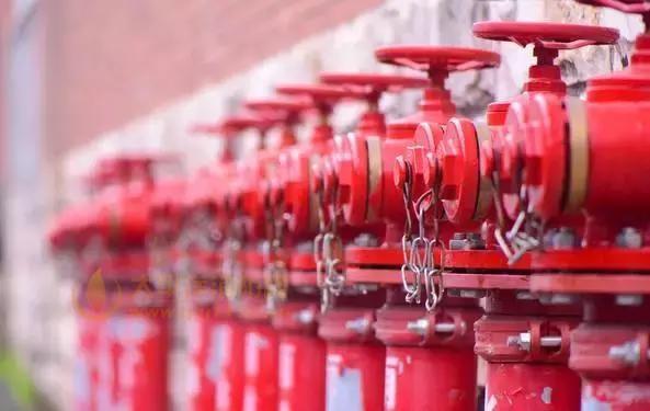 每周应模拟消防水泵自动控制的条件自动启动